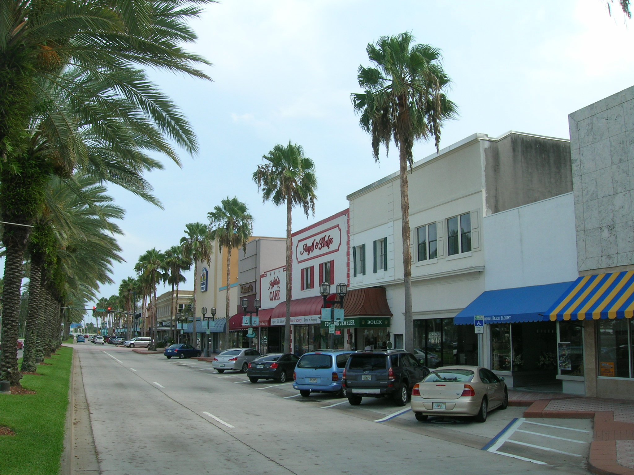 realty daytona beach riverfront watch luxury cottage sale fl oceans condo for cottages rent
